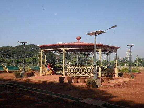 Hanging Gardens (Ferozeshah Mehta): Hanging Gardens