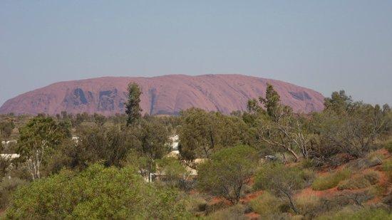 Uluru-Kata Tjuta Cultural Centre: The rock from the caravan park