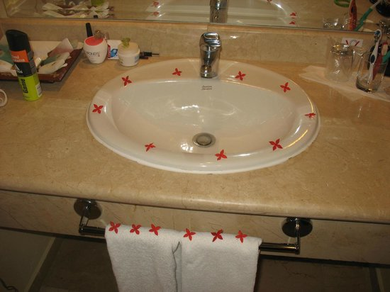 Grand Palladium Bavaro Suites Resort & Spa: baño de la habitacion