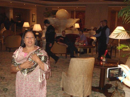 โรงแรมเดอะทัจมาฮาล: Hora do jantar... puro encantamento,,,