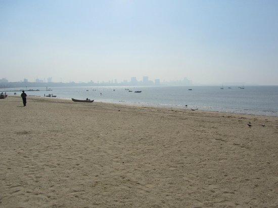 มารีนไดรฟ์: Beach