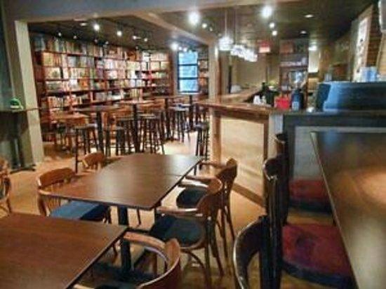 Randolph Pub Ludique Quartier Latin: Randolph Pub Ludique