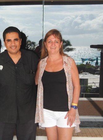 Hard Rock Hotel Cancun: Ariel con sus batidos naturales!