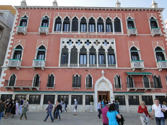 Hotel Danieli, A Luxury Collection Hotel: View of the front of the building