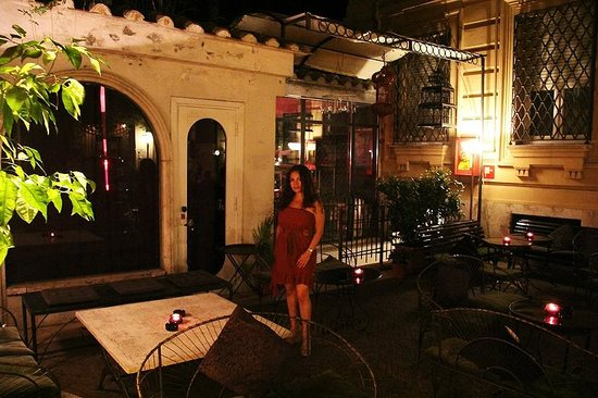 Hotel Locarno: **