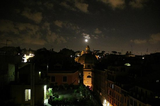 Hotel Locarno Rome: View from rooftop garden