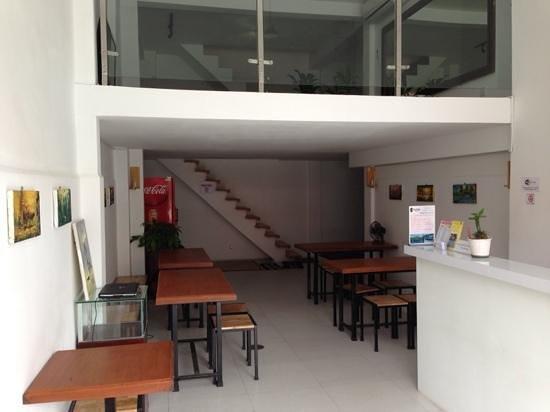 One Stop Hostel : grand floor