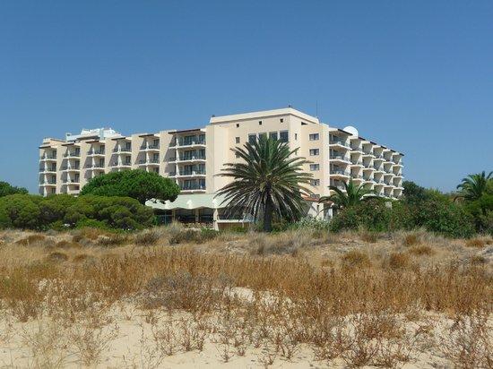 Pestana Dom Joao II: Hotel view from the beach