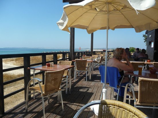 Pestana Dom Joao II: Beach bar at the hotel