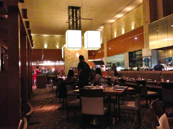 Yew Seafood + Bar : Decor