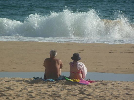 Pestana Dom Joao II: Waves sometimes came pounding in with the rising tide