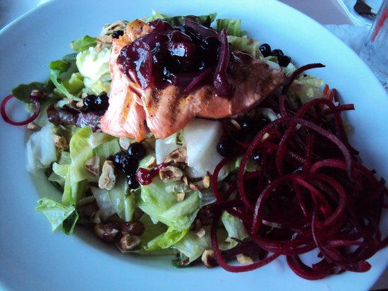 Harbor Lights: Amazing salad with salmon