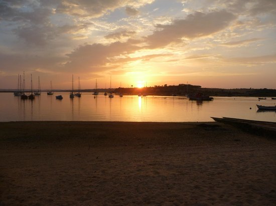 Pestana Dom João II: Sunset over Alvor marina