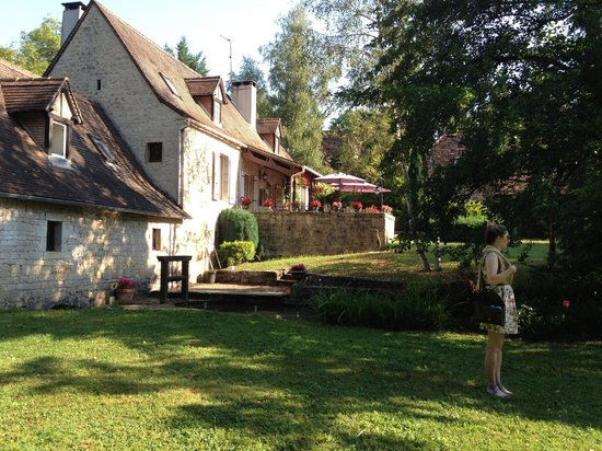 Moulin de Fresquet: Building, ground, and outdoor patio