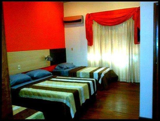 Elegance Palace Hotel: habitaciones triples