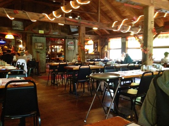 Parker's Maple Barn: One of the dining rooms