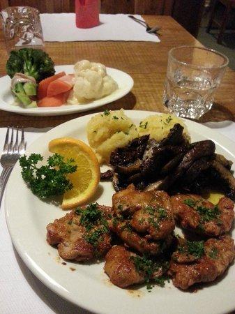 Alpine Restaurant & Wine Bar: Gourmet pork with a vegetable side