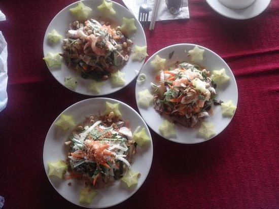 HCM Cooking Class: great Combination salad in HCM Cooking school