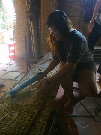 HCM Cooking Class: Nice time to make rice paper in rice papers Villages