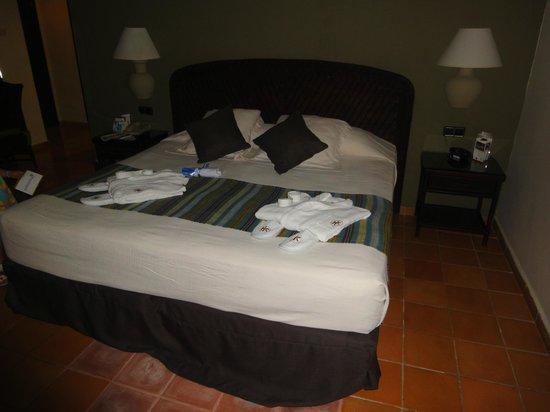Catalonia Bavaro Beach, Casino & Golf Resort: Bed