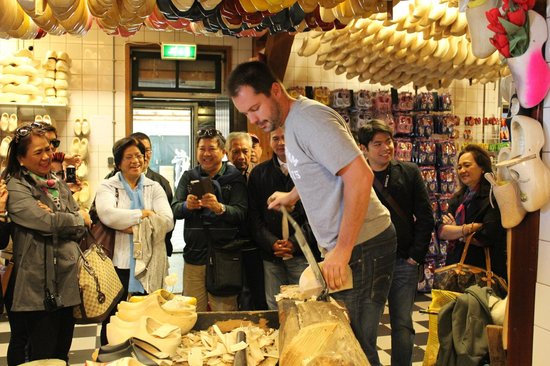 Irene Hoeve Clogs and Cheese Shop: Steven's demo on clog making