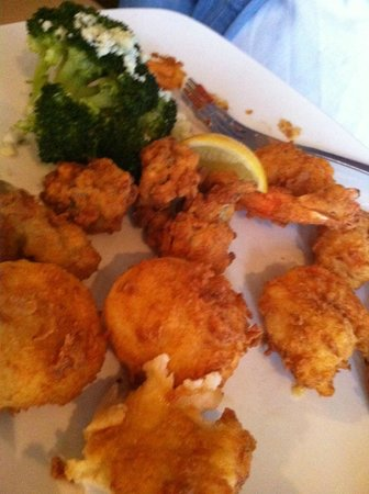 Sweetgrass Restaurant: Seafood and Broccolli