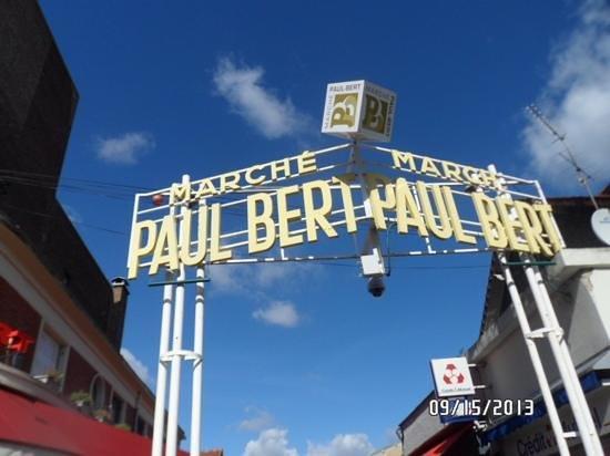 Le Paul bert: street sign