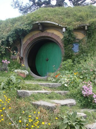Hobbiton Movie Set: Bag End