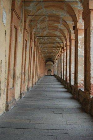Santuario di Madonna di San Luca: El pórtico más largo del mundo