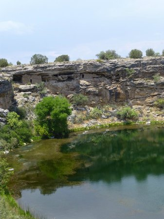 Montezuma Well National Monument: a view of the well