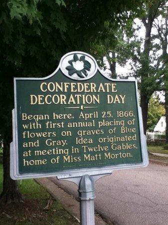 Friendship Cemetery: Decoration Day - Columbus