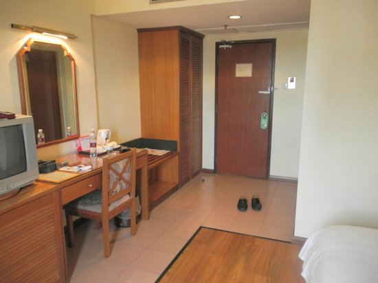 Premier Hotel: entrance