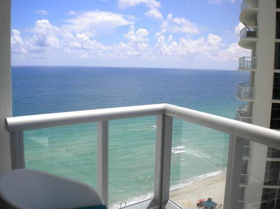 Marenas Beach Resort: Balcón de la habitación