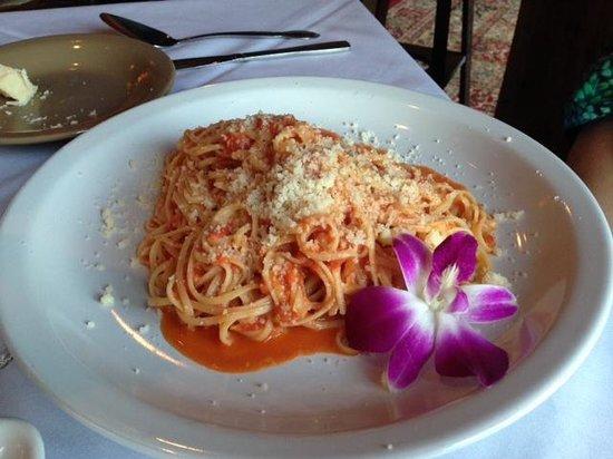 Pasta Italia: Fetuccini Pomodoro