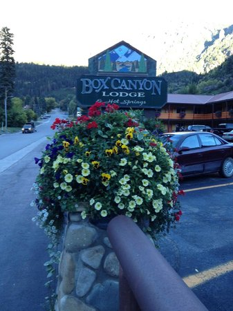 Box Canyon Lodge & Hot Springs: Box Canyon Inn is tops!!