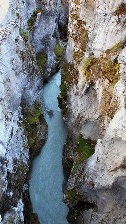 Marble Canyon: narrow canyon
