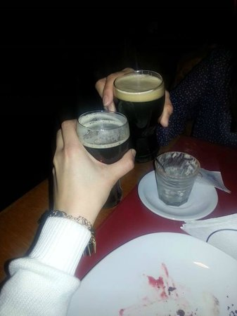 Cervecería Manush: Brindissss