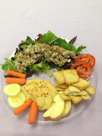 Naturally Cafe: chicken salad and hummus