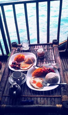 Spider House Resort: Tocino and longganisa breakfast