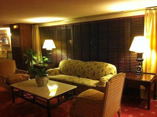 เมเลีย แคสทิย่า โฮเต็ล: The lounge of each floor