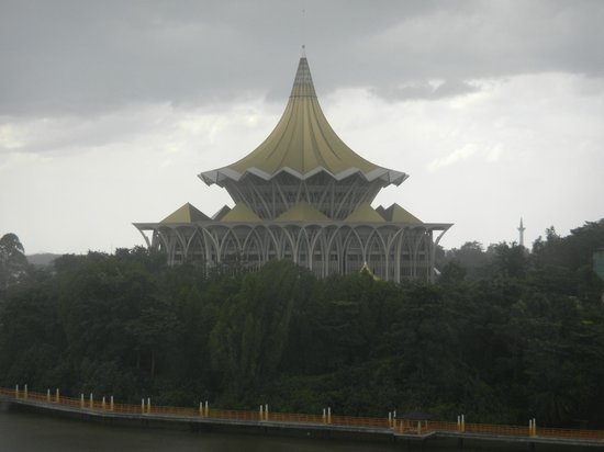 ฮิลตัน กูชิง: View of the Sarawak State Assembly from one of the rooms