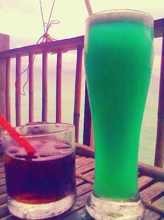 Spider House Resort: Black spider drink (Left), I forgot the name of the 2nd one