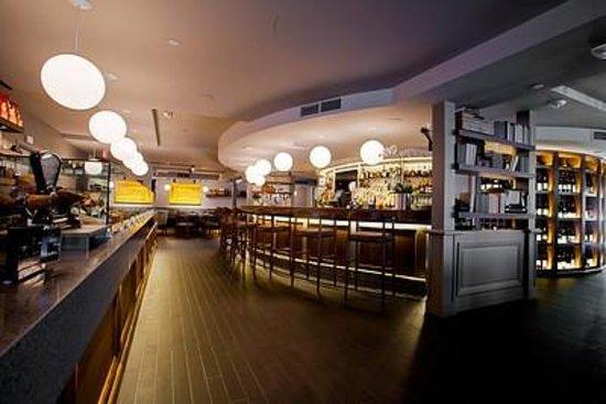 La Gloutonnerie: Bar