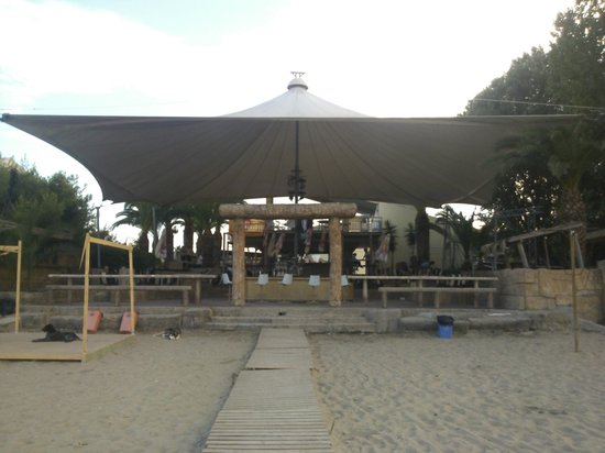 Island Beach Resort: SANDSTORM NIGHTCLUB ~ BEACH ENTRANCE