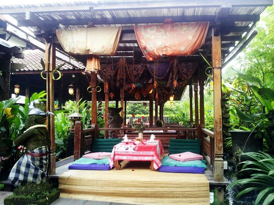 Blue Bali: romantic huts