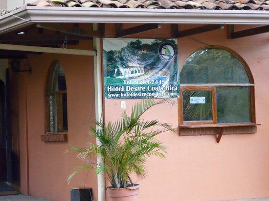 Hotel Desire Costa Rica: Main Entrance