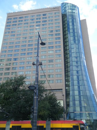 The Westin Warsaw: ホテル外観