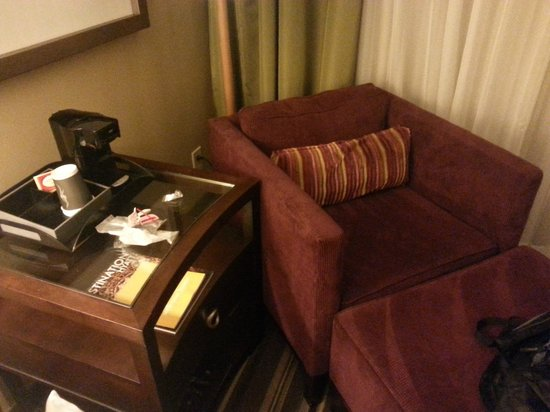 Hyatt Regency North Houston: my fight with the coffee machine plug whihc is behind the couch and heavy table !