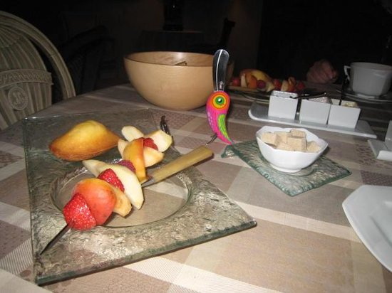 Coeur de Bourges: Breakfast table
