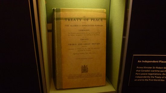 พิพิธภัณฑ์สงครามแคนาดา: Traité de Versailles - 28 juin 1919